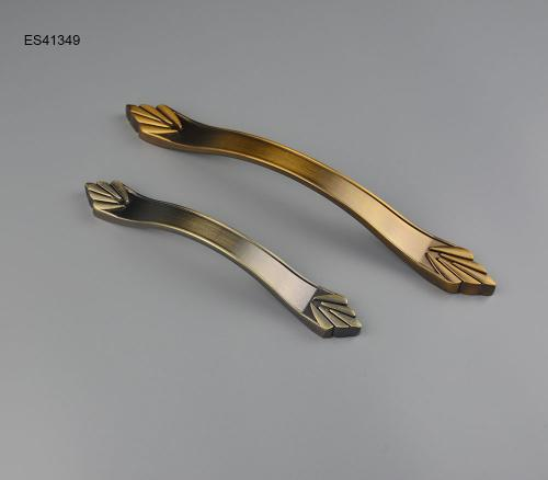 Zamak Furniture and Cabinet Handle ES41349
