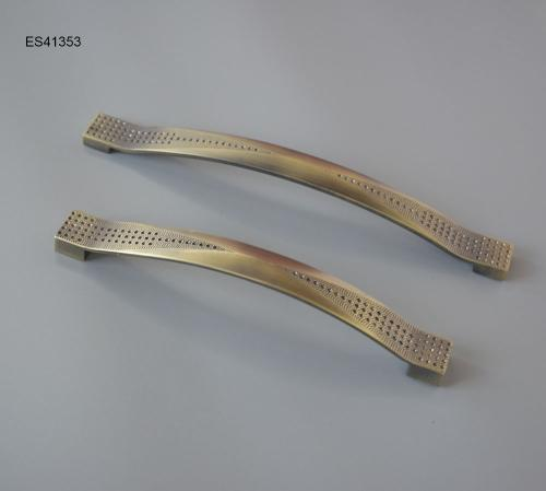 Zamak Furniture and Cabinet handle  ES41353