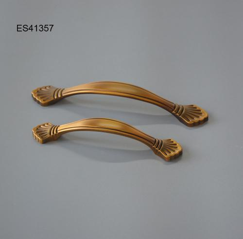 Zamak Furniture and Cabinet handle  ES41357