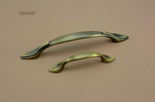 Zamak Furniture and Cabinet handle  ES41597